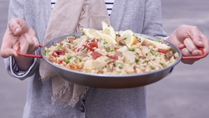 Rachel Allen's Paella with Scallops, A classic paella combining pork and scallops.
