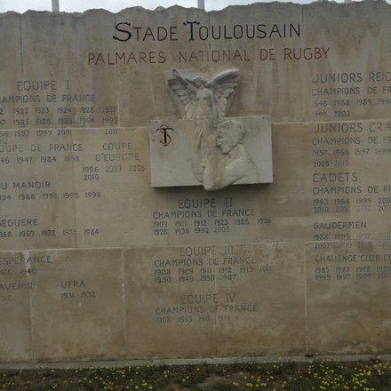 A plaque commemorating Toulouse's rugby success