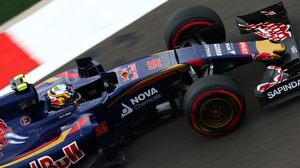 Carlos Sainz destroyed teh front left of his car after the crash in qualifying