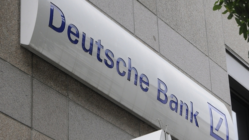 Deutsche Bank failed to detect and halt its traders from using chat rooms to communicate with competitors, the US Fed said