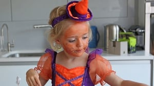 The Halloween Pumpkin witch aka Jessica is cooking up a storm with Mum Siobhan