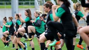 The Irish Women's squad going through their paces