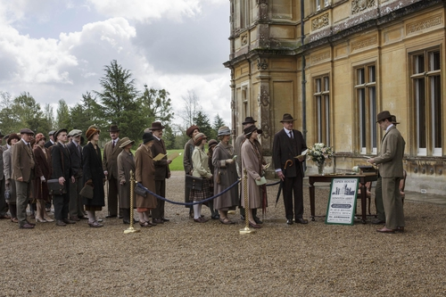 How horrid! The tax-paying peasants who won The Great War are here! Well, at least they're paying in . . .