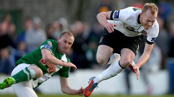 Colin Healy and Chris Shields are set for another physical clash in midfield