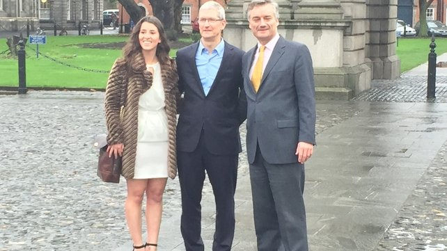 Tim Cook (C) with Ludivine Rebet (L) President of TCD's Philosophical Society and Provost Patrick Prendergast