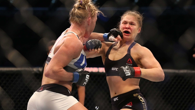 Holly Holm lands the left that led to her victory