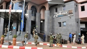 Security forces surrounding the Radisson Hotel in Bamoko during the hostage situation