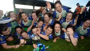 Johnstownbridge celebrate winning the All-Ireland club junior camogie title (Photo: Caroline Quinn)