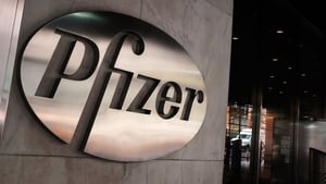 Pfizer to keep its low-growth generics and patent-protected branded medicines separate