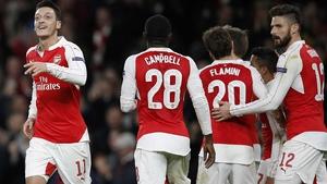 Arsenal's Mesut Ozil (L) celebrates the opener