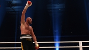 Disciplined display from Tyson Fury saw him claim the title