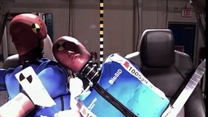 ZF TRW, a German component supplier, has developed an airbag that deploys between the seats