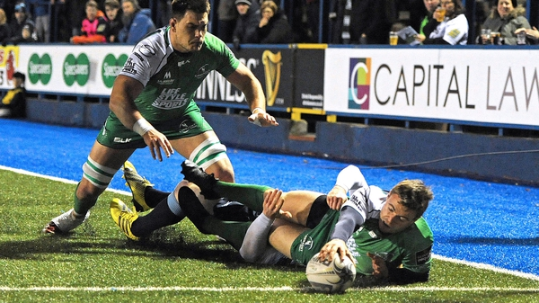 Ian Porter scores Connacht's first try