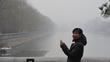 Beijing residents on smog red alert