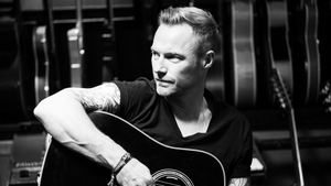 Ronan Keating and guitar