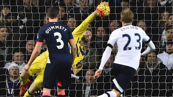 Rob Elliot made a  string of top saves as Newcastle snatched victory in Tottenham