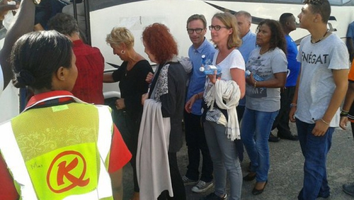 Ground staff assist passengers after they were evacuated from the Air France flight (Pic: @KenyaAirports)