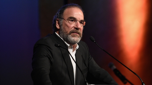 """Patinkin - """"This could have been my family 70 years ago escaping the Nazis"""""""