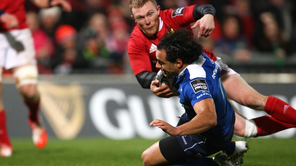 Isa Nacewa crashes down for Leinster's opening try