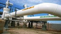Oil falls as traders await key US jobs report