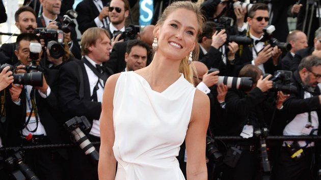 Bar Refaeli Announces She Is Pregnant With Her First Child