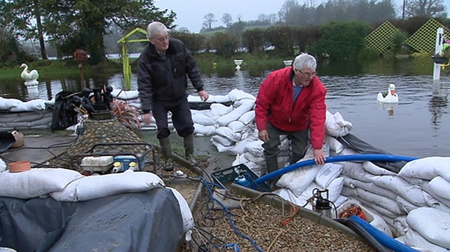 Residents in Roscommon battle to keep water from flooding their properties