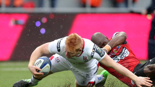 Rory Scholes lunges over for his try against Oyonnax