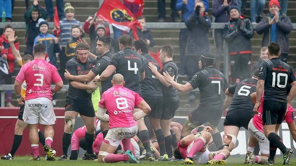 Munster's Mike Sherry celebrates his try