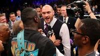 VIDEO: Fury serenades WBC champion 'bum' Wilder