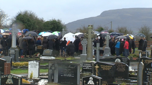 Up to 400 people attended Mr Mara's burial at Mount Cross cemetery in Kinvara, Co Galway