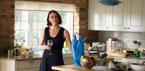 Doctor Foster starsSuranne Jones as a wife who bides her time while her husband plays away.