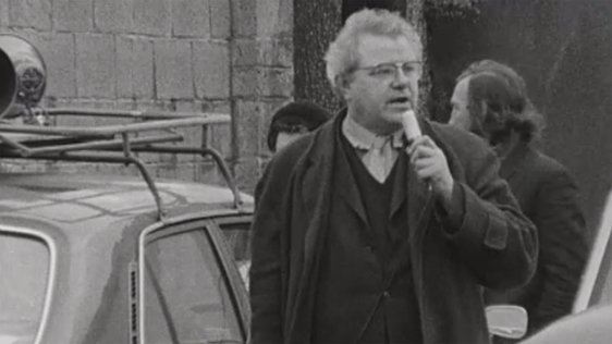 Michael O'Riordan campaigning for the 1973 general election.