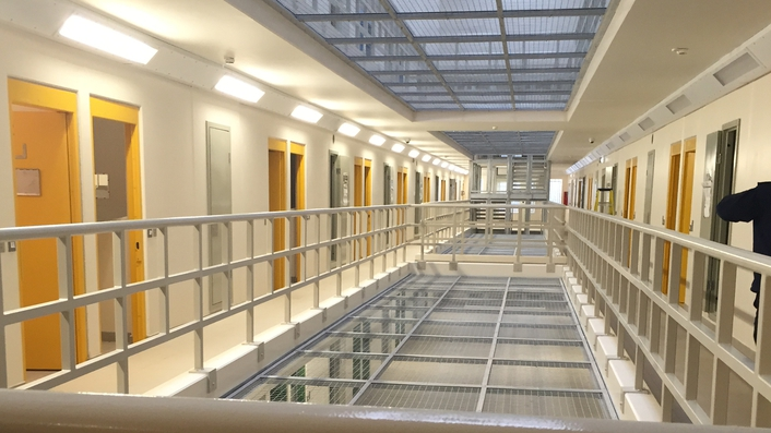 Prison Officers Association accuse Prison Service of rewarding bad behaviour