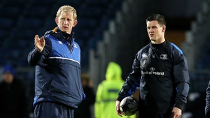 Leo Cullen giving instruction to out-half Jonathan Sexton