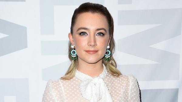 Saoirse Ronan gets Mirren's support in Oscars race