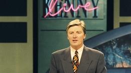 Bridget & Eamon Extras: Twink on Kenny Live
