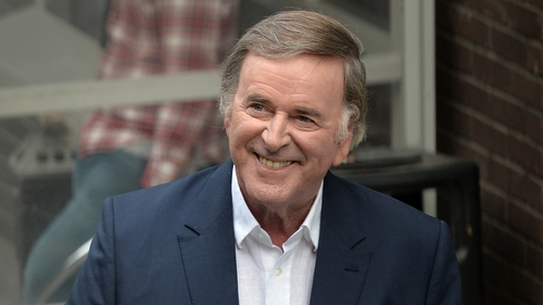 Stars pay touching tributes to Terry Wogan at Westminster Abbey