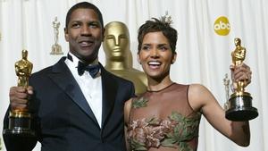 Best Actor winner Denzel Washington and Best Actress winner Halle Berry in 2002