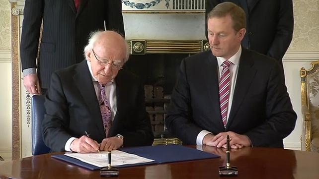 Michael D Higgins dissolves the 31st Dáil