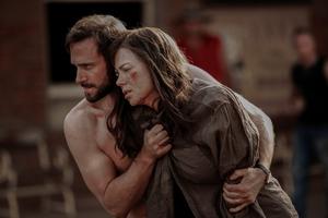 Joseph Fiennes and Nicole Kidman in Strangerland