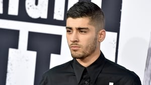 Zayn Malik goes straight to number one with debut solo single Pillowtalk