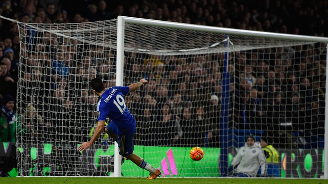 Costa strikes late to deny United at the Bridge