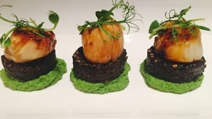 Caramelised Scallops with Minted Pea Purée