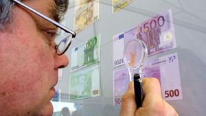 The amount of cash in the euro zone rose to over €1 trillion last year, with almost 30% of it hoarded in €500 notes