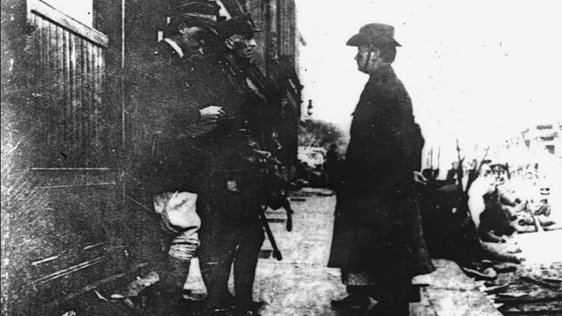 Patrick Pearse surrenders to General Lowe, 29 April 1916 Cashman Collection RTÉ Stills Library