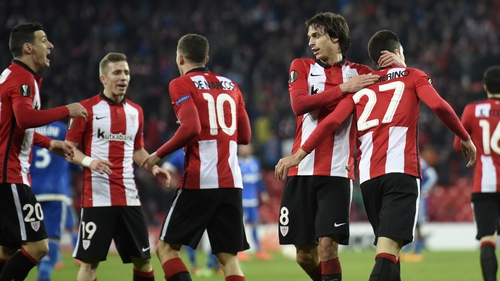 Athletic Bilbao's players celebrate