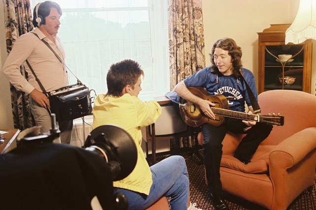 Rory Gallagher, Carolyn Fisher and Joe Ó Dúill on sound.