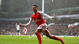 Arsenal wait on Alexis Sanchez's fitness