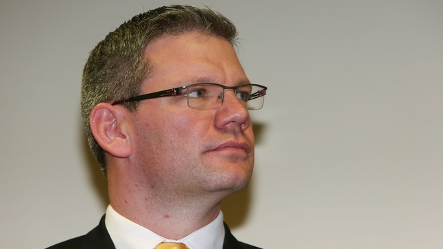 Labor MP Iain Lees-Galloway said the contracts are 'all about exploiting loopholes'
