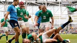 Ian Madigan gets over for Ireland